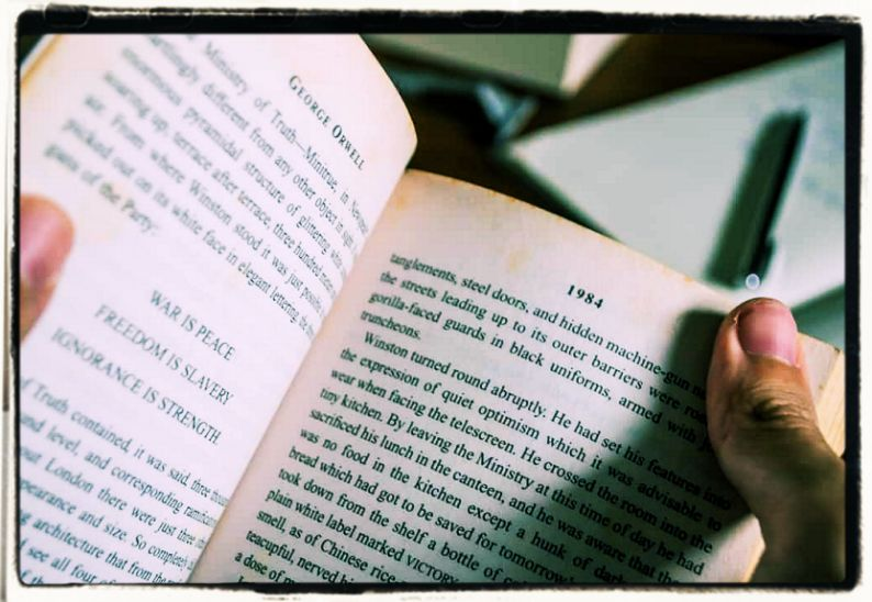 George Orwell on writing books