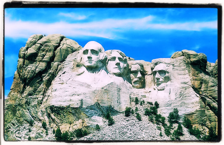 Mount Rushmore American Presidents Sculpture