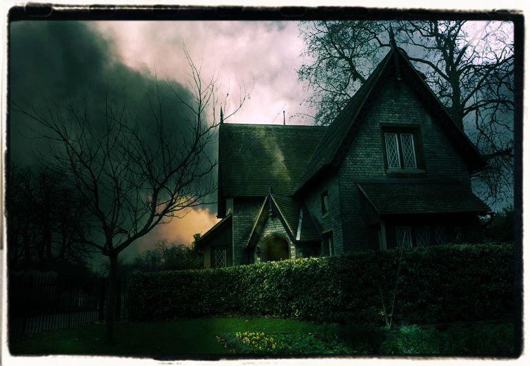 Halloween Haunted Night House