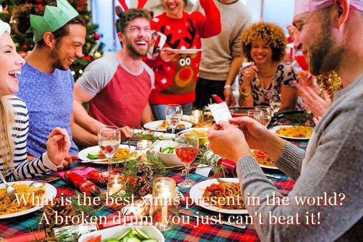 Christmas crackers dinner jokes