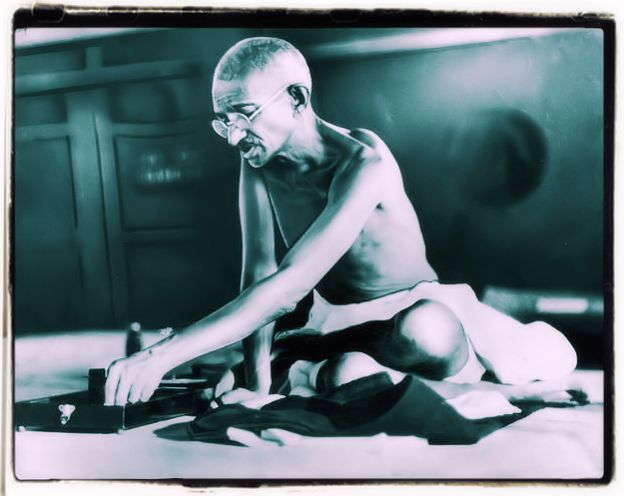 Gandhi simple life style